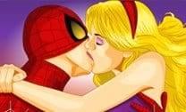 Beijar Homem Aranha