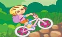 Brincar de bike com Dora