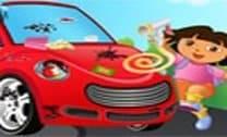 Dora Limpando O Carro Elegante