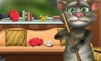 Gato Tom Limpando O Quarto
