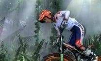 Moto combina com Selva
