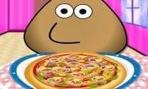 Pou preparando Pizza